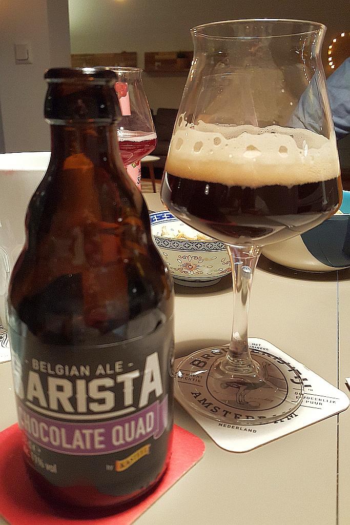 Flasche und Glas Barista Chocolate Quad