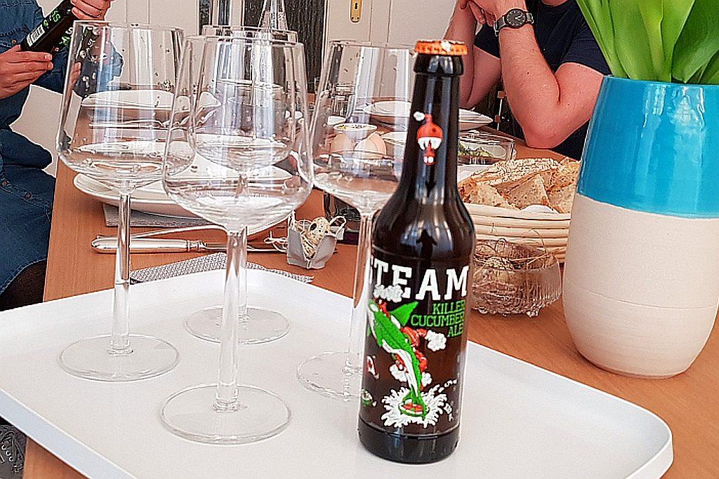 Gläser und Steamworks Ale