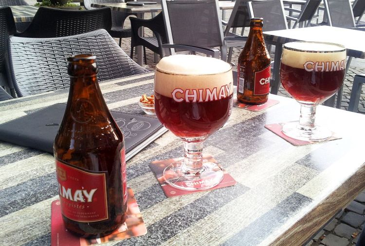 Flaschen Gläser Chimay Rouge